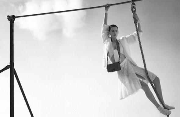 Новая коллекции Chanel 2012. Лицами бренда стали Саския де Брау (Saskia de Brauw) и Джоан Смоллс (Joan Smalls)