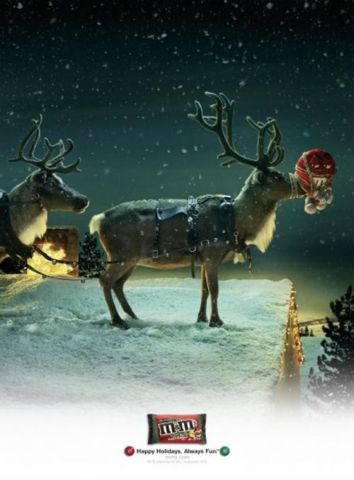 Рождественский рекламный плакат M&Ms