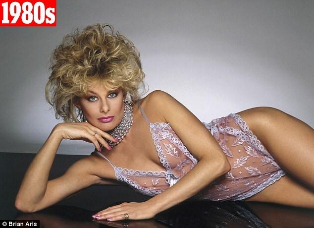 Джилли Джонсон (Jilly Johnson) в рекламе нижнего белья Janet Reger - фото 1980 года