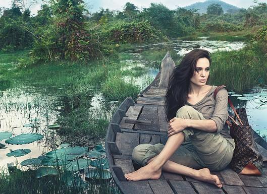 Новый образ Анджелины Джоли в рекламе бренда Louis Vuitton