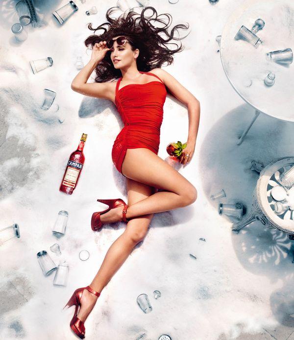 Пенелопа Крус в новом календаре Campari