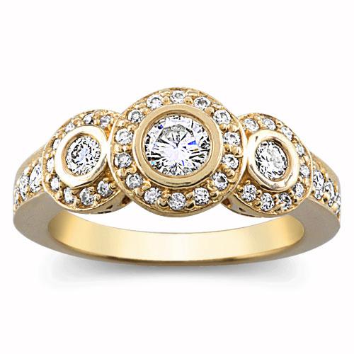 Юбилейное кольцо с тремя бриллиантами от Debeers